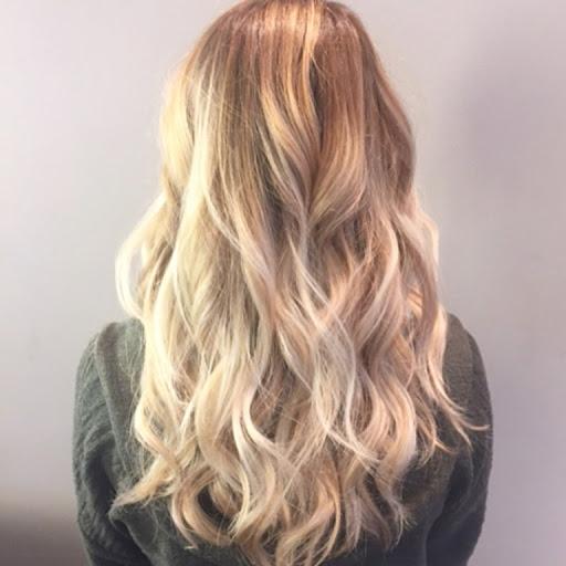 Фарбування волосся сомбре